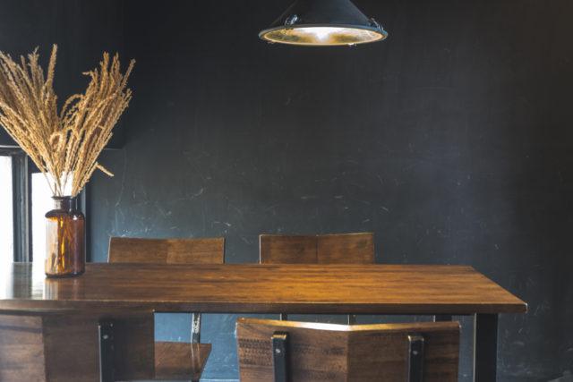 ダイニングテーブルは本当に必要?