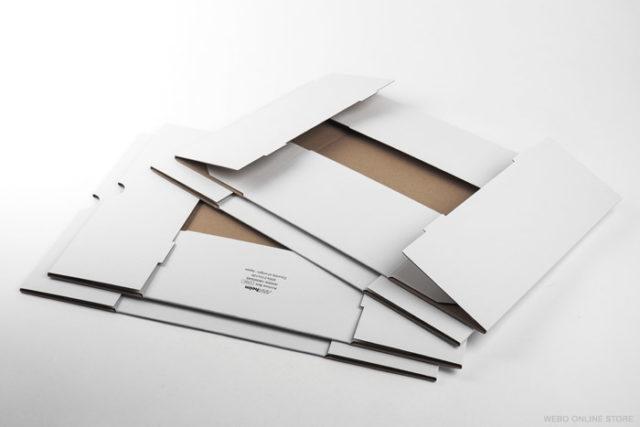 組立て前の アナハイムアーカイブボックス