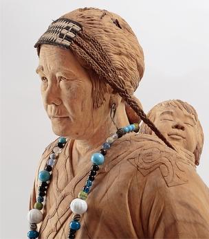 藤戸竹喜さんの作品『杉村フサ像』
