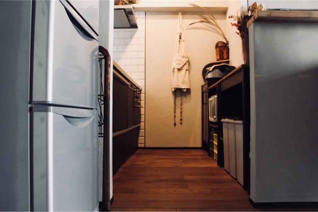 リノベーションで無垢フローリング(ナラ材)にしたキッチン