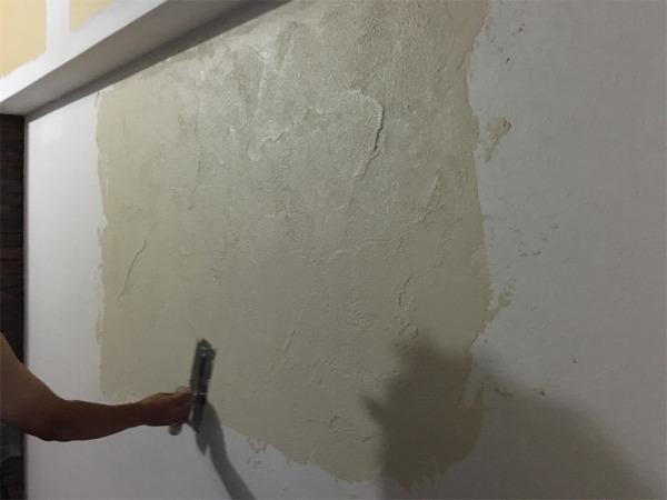 塗り方をどうするか職人と相談