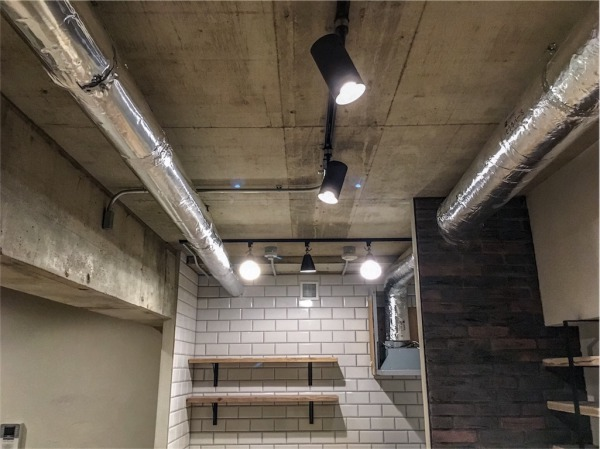 現し(表し)のコンクリート天井&ダクト
