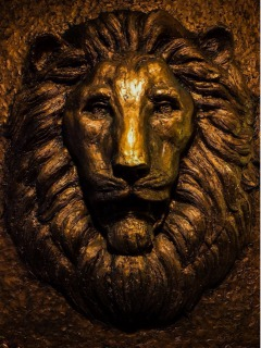 ライオンズマンションの入口にあるライオン像