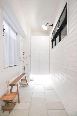 広げた玄関とお気に入りタイルの土間
