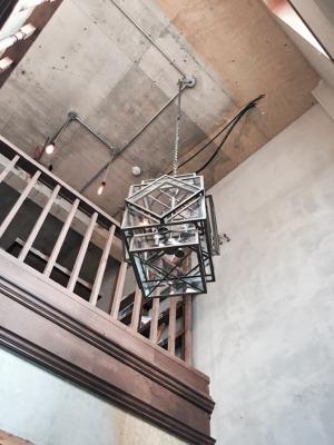 UNTAPPED HOSTEL(アンタップト・ホステル)吹き抜け照明