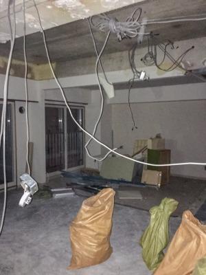 リビングと和室の解体