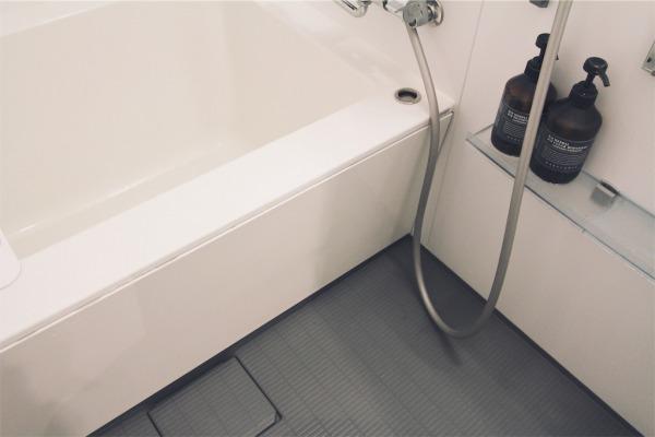 ユニットバスの浴槽エプロン
