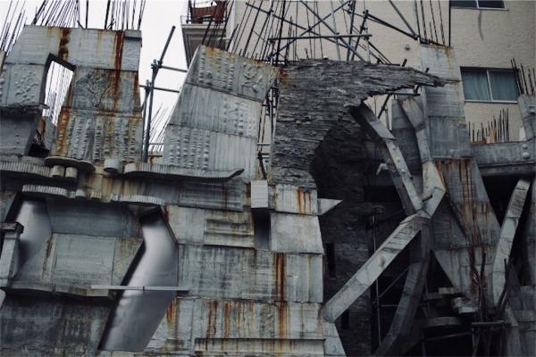 蟻鱒鳶ル(アリマストンビル)の外壁