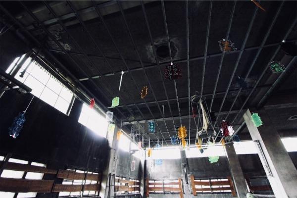 天井にアクリル板「炭鉱用語」上遠野 敏