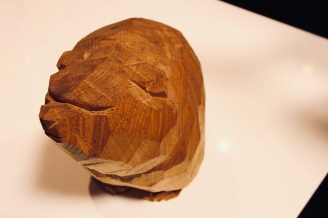柴崎重行の木彫り熊