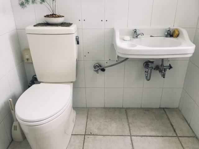 外人住宅で見かけた可愛い洗面台