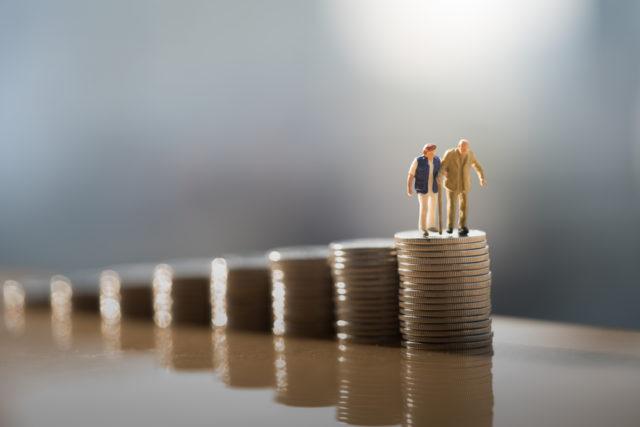 必見。一生賃貸派は老後貯金2000万円では足りないかもしれない……!