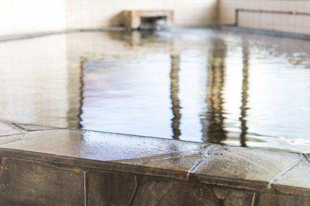 湯に浸かり体を温める