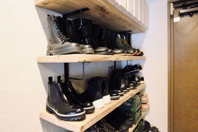 見せる靴収納にはシューズボックスを使う