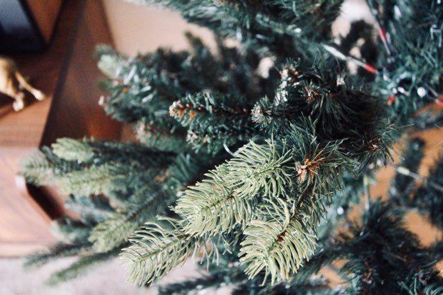 LOWYAクリスマスツリーの組立て方