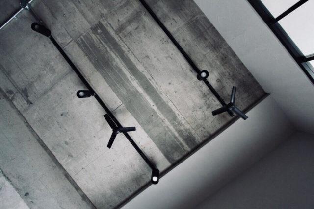 天井に直付けした我が家のダクトレール